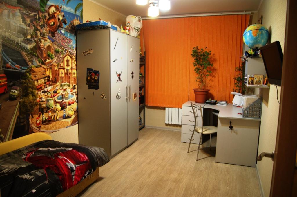 3-х комнатная квартира. Липецк, р-н Манеж, ул. Лутова