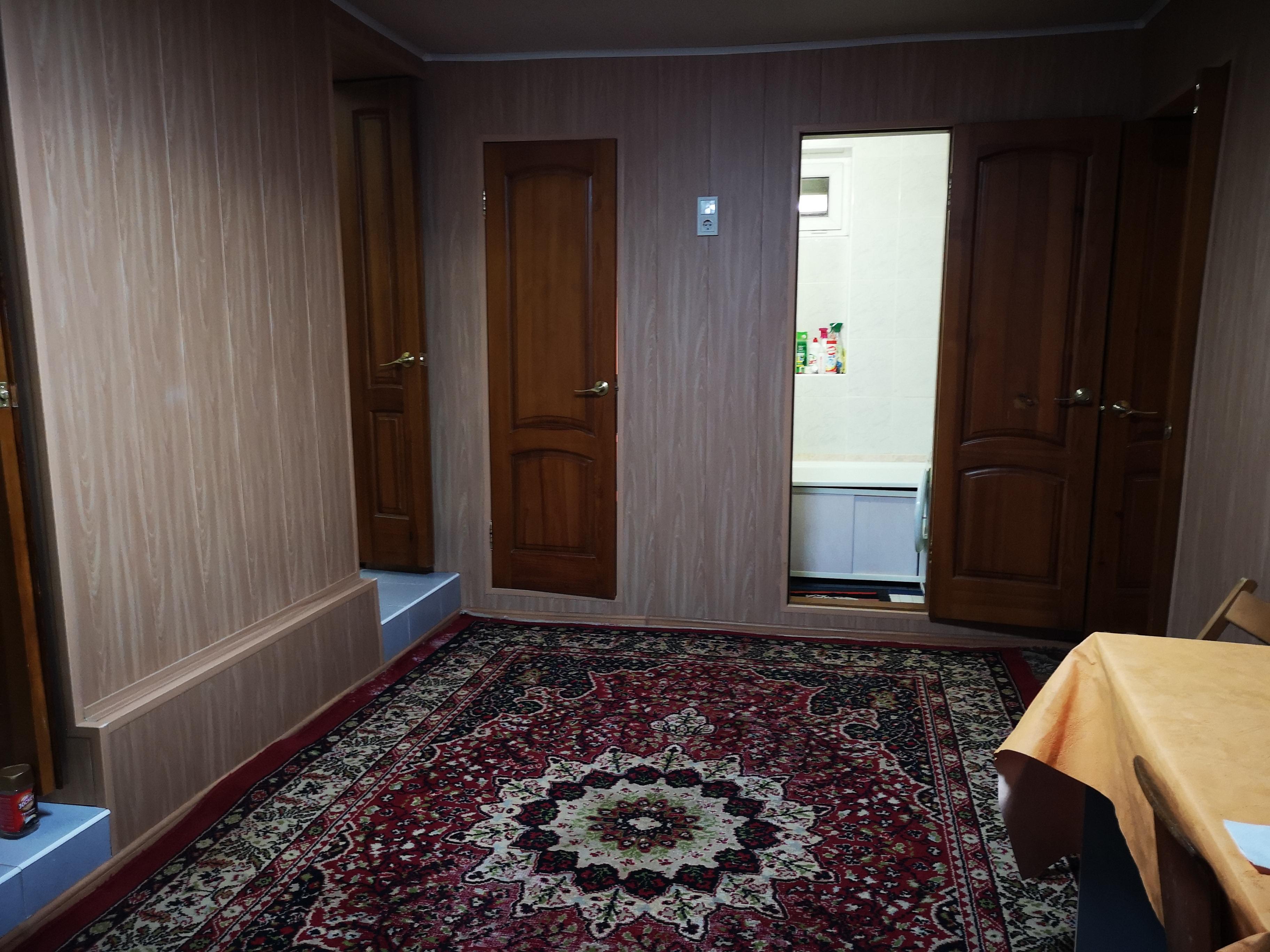 Дом за площадью Героев